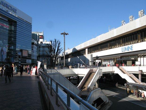 JR大宮駅西口の歩行者デッキ