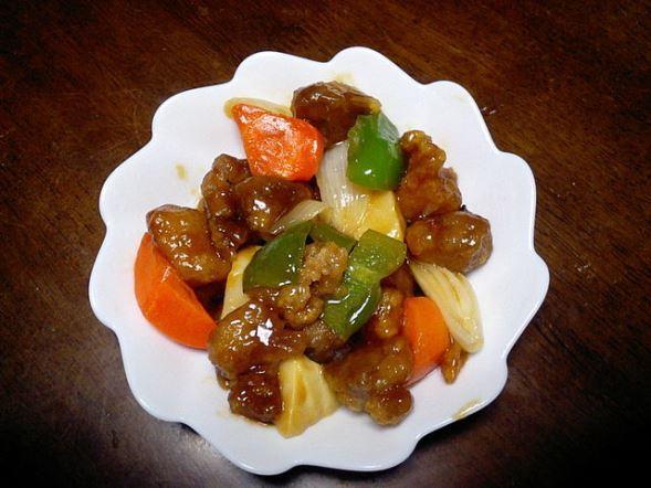 酢豚(Lusheetaさん撮影、Wikimedia Commonsより)