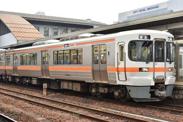 JR東海 キハ25形気動車(rudona69さん撮影、Wikimedia Commonsより)