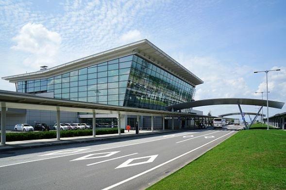 旭川空港(663highlandさん撮影、Wikimedia Commonsより)
