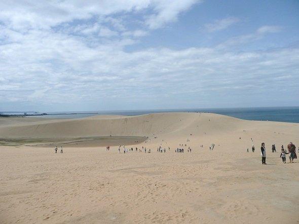 鳥取砂丘(ぺ有家音さん撮影、Wikimedia Commonsより)