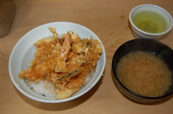 汁付き天丼650円