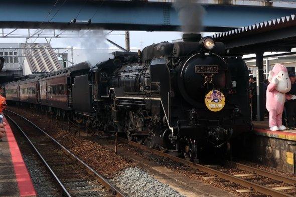 山口県内で撮影されたSLやまぐち号(18年11月、J-CASTニュース撮影)