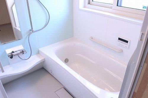 お風呂場の水が漏れた...?(画像はイメージ)