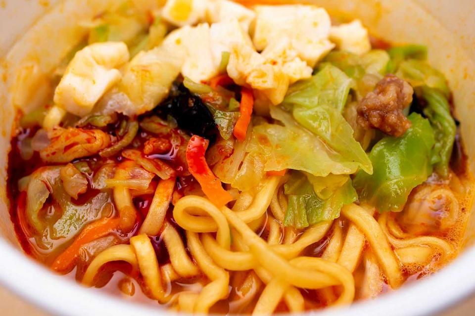 「蒙古タンメン中本」カップ麺