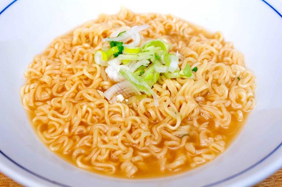 キリマルラーメン袋麺完成 撮影のためスープは少なめに入れています