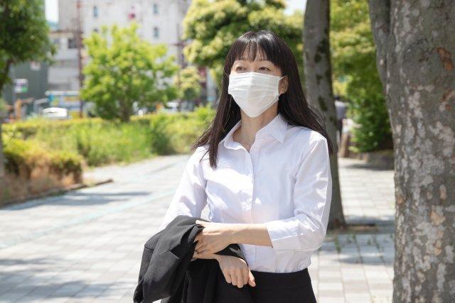 マスク熱中症に気を付けて(画像はイメージ)