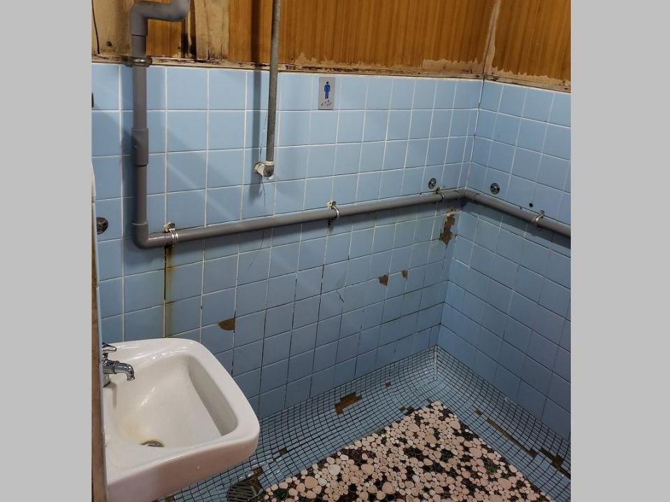 これがトイレ...?(画像は茂木フル@mogilongsleeperさん提供)