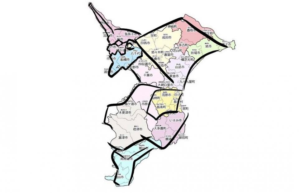 エヴァじゃん...(画像はニノマエハジメ@ninohajimさん提供、地図は千葉県公式サイトより)