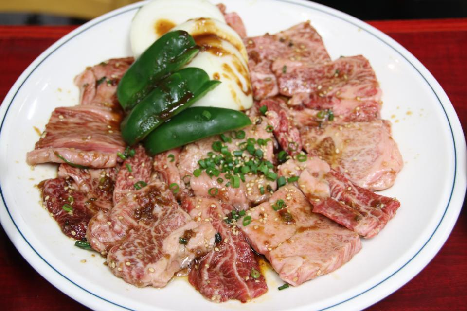 柔らかくて美味しいお肉(写真は3人前)