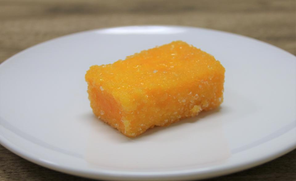 蔦屋の「カスドース」、金色の高級菓子に見える