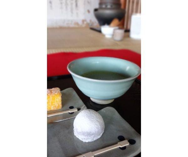 復元菓子の一つ「烏羽玉」(提供:松浦史料博物館)