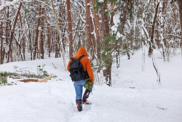 深い雪の中を進むときに...(画像はイメージ)