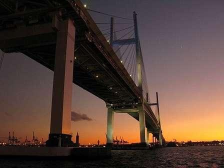 横浜ベイブリッジ(ja:User:Pcs34560さん撮影, Wikimedia Commonsより)