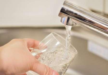 水が飲みたくなる感じ?(画像はイメージ)
