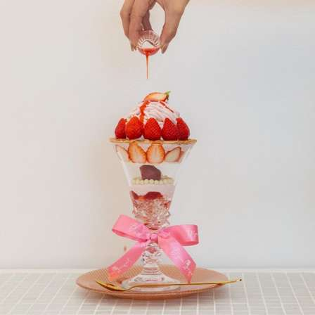 広島の宝石屋が「パフェ専門店」をオープン 非日常空間で味わうキラキラスイーツ
