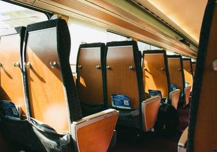 座席をめぐるトラブル(画像はイメージ)