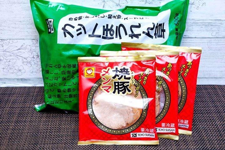 「焼豚メンマ」と冷凍「カットほうれん草」を使用