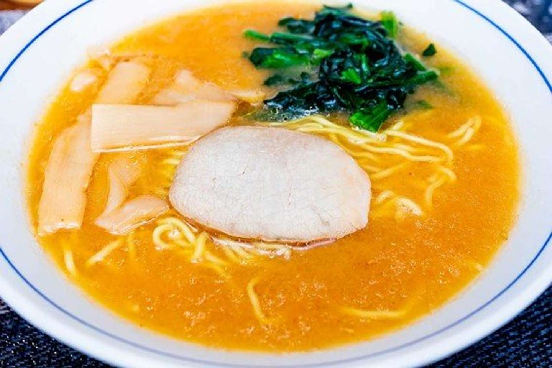 塩や醤油から一転、濃厚そうなスープ
