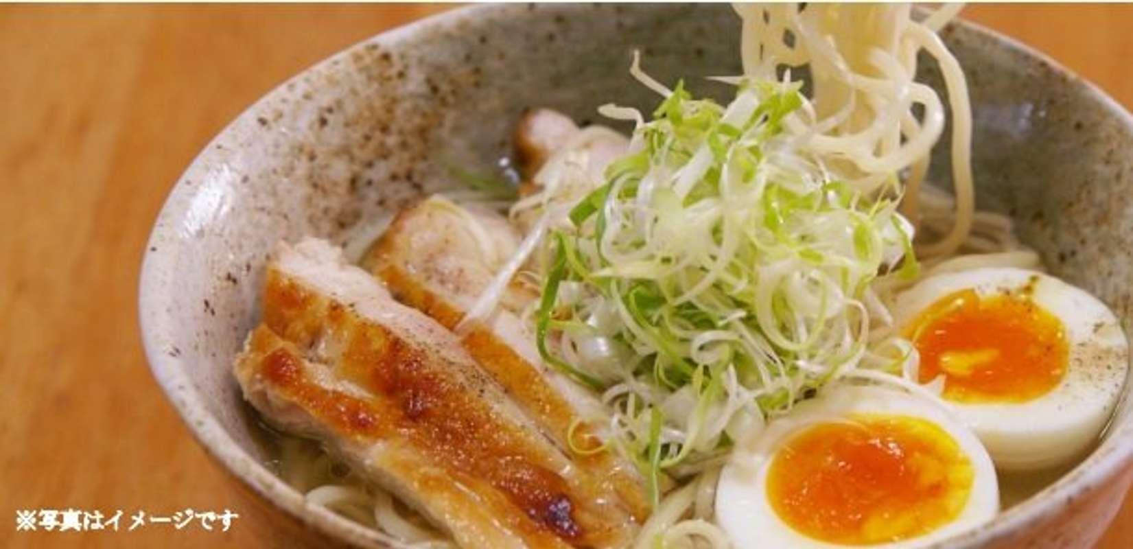 博多駅ホームに「高級立ち食いラーメン店」誕生 一流料理人が、こだわりの「九州食材」使います
