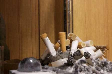 「下の階から漂ってくるタバコ臭が部屋中を侵食。苦情を言うと『辞めません』と宣言し、なぜか私が追い出されそうに...」(千葉県・40代女性)