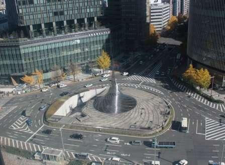 ただ「ぐるぐる」してるだけじゃなかったんだ... 名古屋駅のシンボル「飛翔」はかつて光る噴水だった