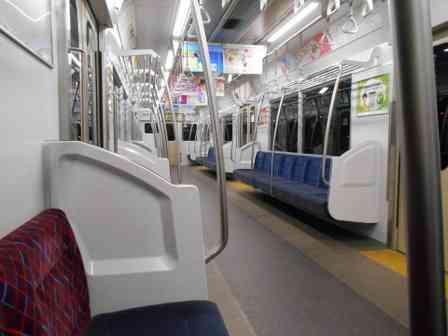 「空いている電車で座ろうとしたら『席取るんじゃねえよ!』。知らない老人に掴みかかられて、さらに...」(埼玉県・20代女性)