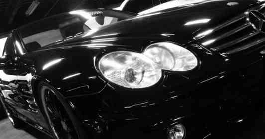 「山道を歩いていると、そばに見知らぬ黒いベンツが停車。不安に駆られる私に、運転手が...」(都道府県・年齢性別不明)