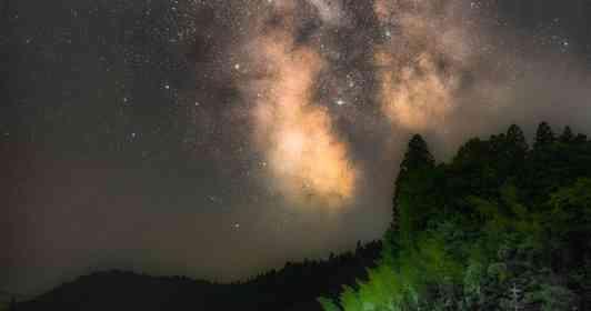 「田舎の夜景は空にある」 岐阜の棚田の上に広がる、満天の星が圧倒的に美しい