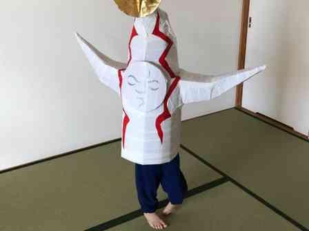 芸術がひとり歩きしてる... 「太陽の塔」に衝撃を受けた5歳児、自分が「塔」になってしまう
