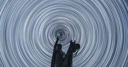 和歌山でトルコ建国の父が「領域展開」 圧倒的な星空に吸い込まれそう