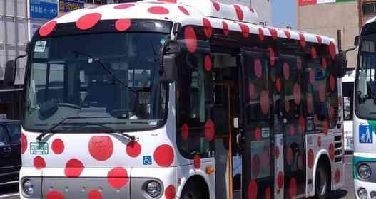 長野には「病気のバス」と呼ばれちゃってる車両があった デザインに込められたのは「世界平和」への願い