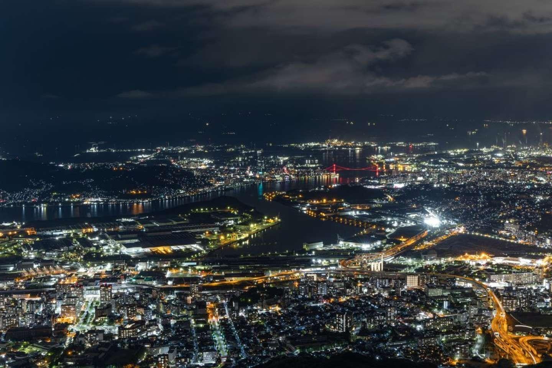 20時40分:皿倉山山頂から、戸次さん撮影。星空のようだ