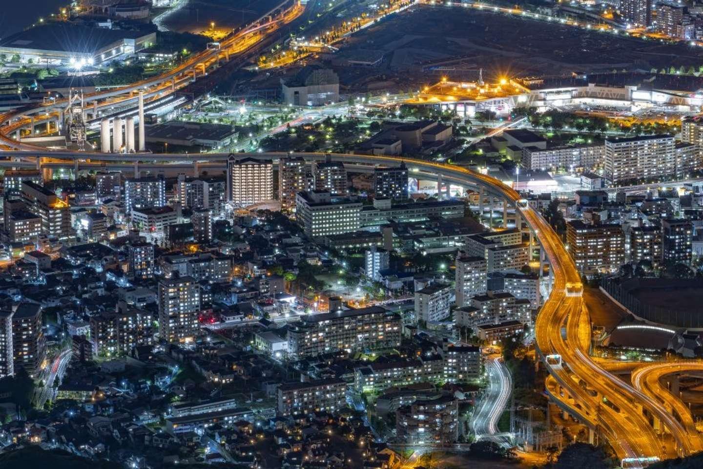 20時40分:「夜景撮影は目で見るのと違う美しさがあります」と戸次さんは語る