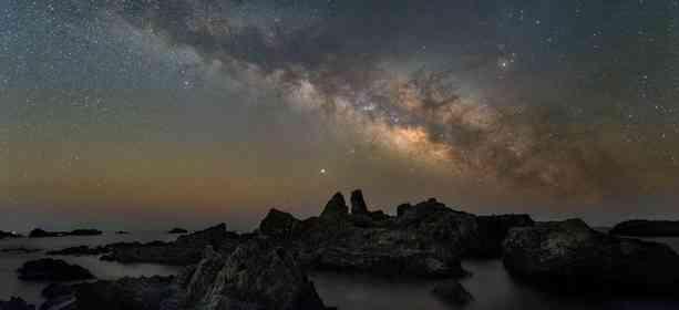 空に橋が架かっているみたい... 本州最南端で見上げた天の川が美しすぎる