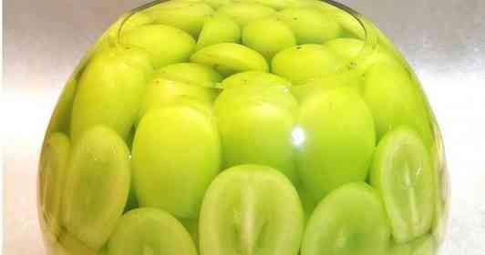 果実の量は1.5キロ超 シャインマスカット農家が作った超豪快なスイーツが、もはや神々しいレベル