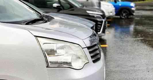 「運転中に『ガーン!』と音がして、車が故障。避難した駐車場にいた、マッチョな若者たちに助けを求めると...」(青森県・50代女性)