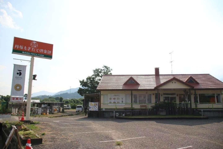 右の建物が「PENTA FACTORY」(21年5月オープン)。PENTA FARMの事務所は、その裏にある