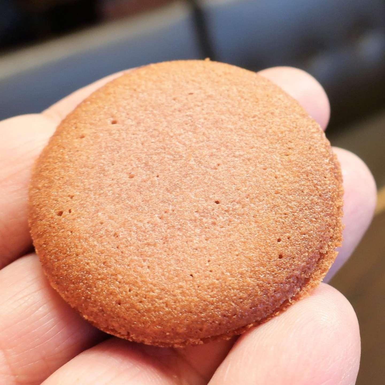 ラングドシャでホワイトチョコとあんこをサンド(画像はSwind@swind_prvさん提供)