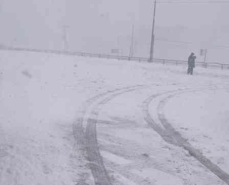 戻れ、夏タイヤ! 北海道の「初雪」のレベルが高すぎる件