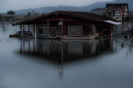 ここはホラーゲームの世界?いいえ、岡山です 水没したリゾート跡地を訪れたら、異様すぎる雰囲気が漂っていた