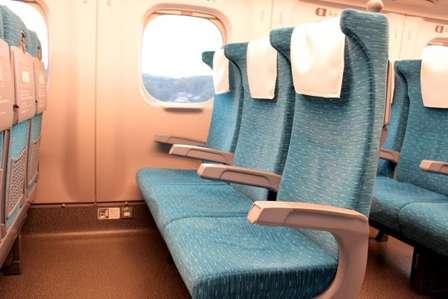 新幹線の車内でモヤモヤ…(画像はイメージ)